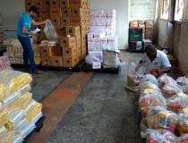 Educação doa alimentos para famílias de alunos carentes