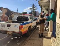 Leites arrecadados em campanha foram entregues pela Polícia Militar