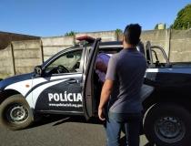 Polícia Civil prende homem suspeito de agredir mulher em via pública em Araxá