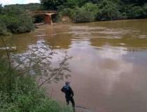 Bombeiros localizam corpo de jovem que submergiu na junção dos Rios São João e Quebra-Anzol
