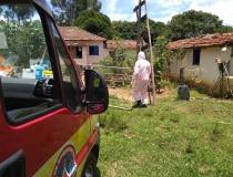 Bombeiros resgatam vítima com sintomas de Covid-19 na Zona Rural de Araxá