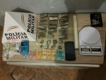 Dois são presos por envolvimento com o tráfico de drogas no Bairro Santa Terezinha em Araxá