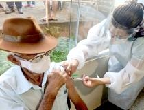 Araxá continua com a aplicação da 2ª dose em idosos de 70 a 84 anos nesta sexta